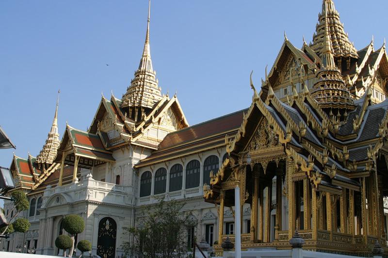 Мужской член к королевском дворце в бангкоке