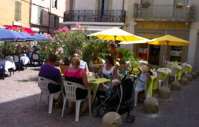 уличное кафе Безье