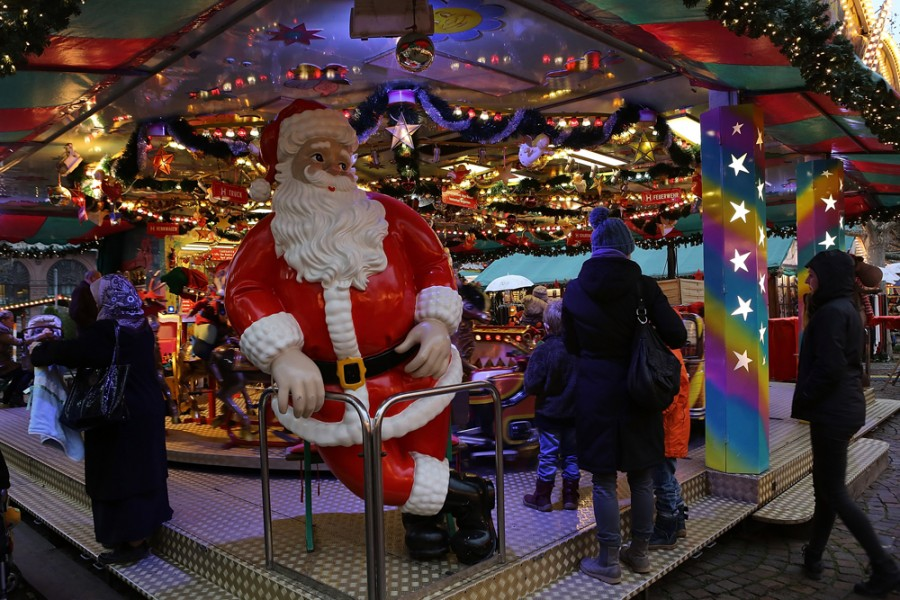 Санта-Клаус на ярмарке во Франкфурте