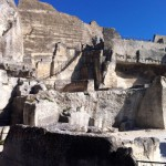Скалистое ущелье у замка