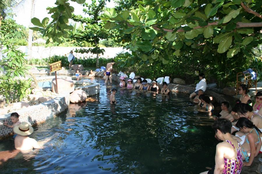 бассейн в термальном комплексе, Хайнань, Китай