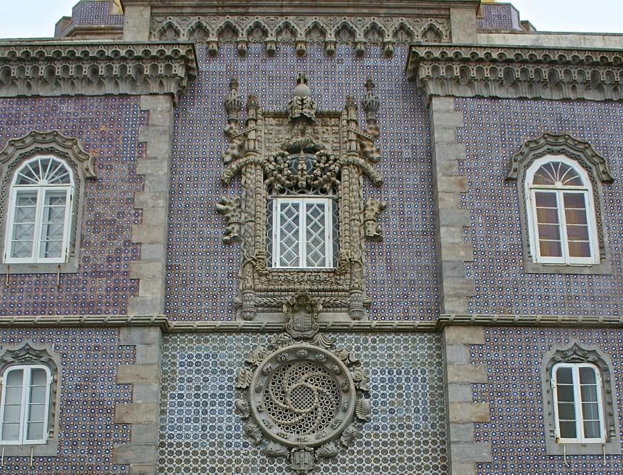 фасад португальского дворца Пена