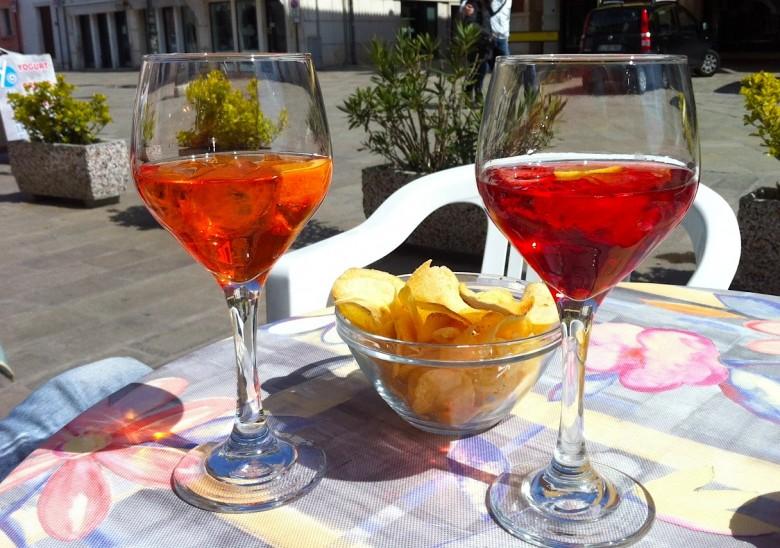 спритц и чипсы - классический венецианский аперитив