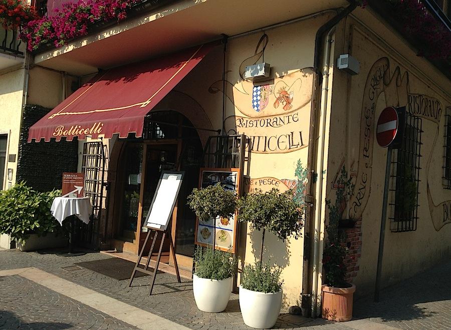 ресторанчик у крепостных стен Лацизе