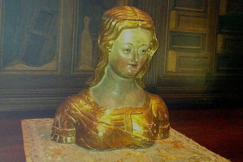 скульптура во внутренней ризнице собора