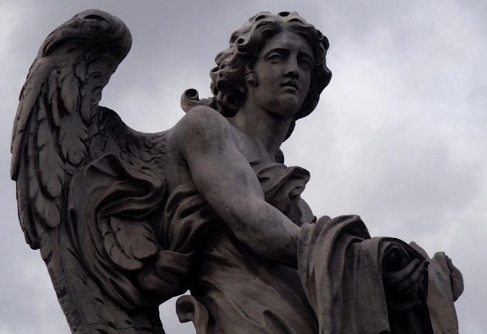 статуя Ангела на мосту Святого Ангела
