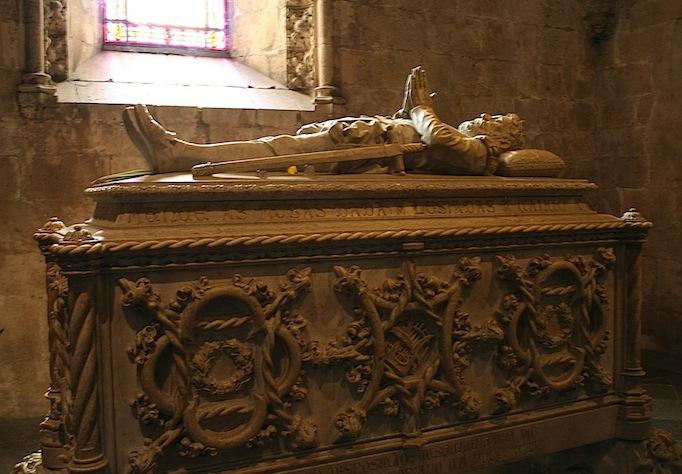 Гробница Васко да Гама в Жеронимуше