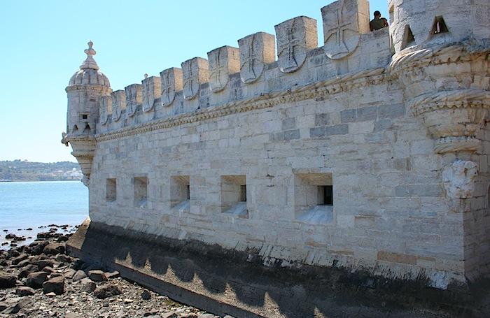 Крепостные стены Беленской башни