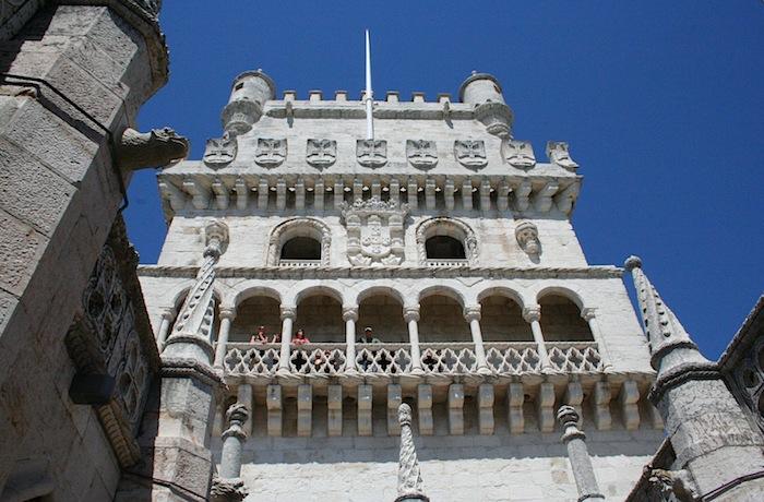 портал башни Белена