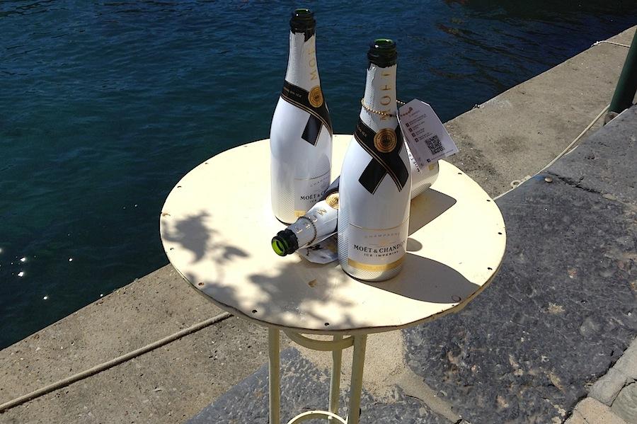 Moet&Chandon на набережной Портофино