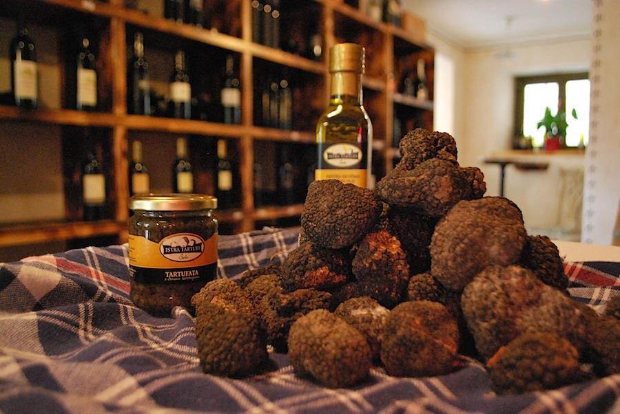 черные трюфели в магазине Istra Tartufi