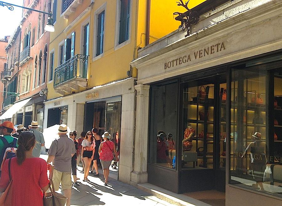 главная шопинг-улица Венеции