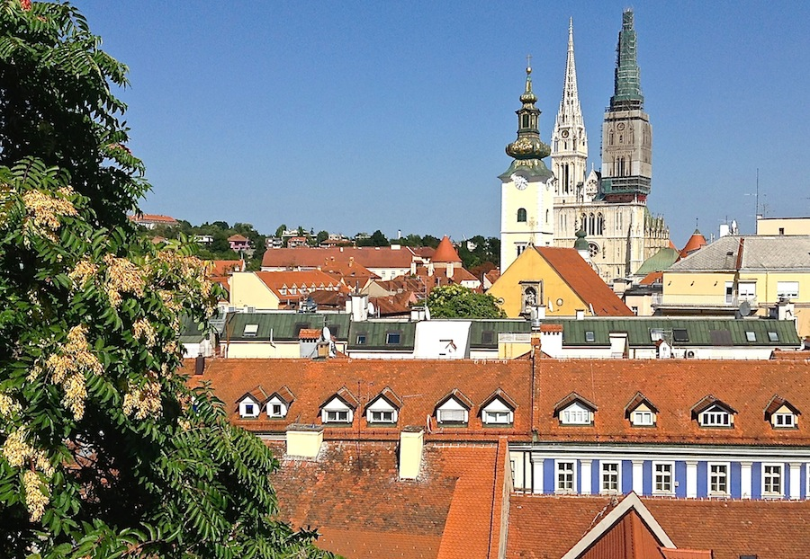 вид на Загреб со смотровой площадки