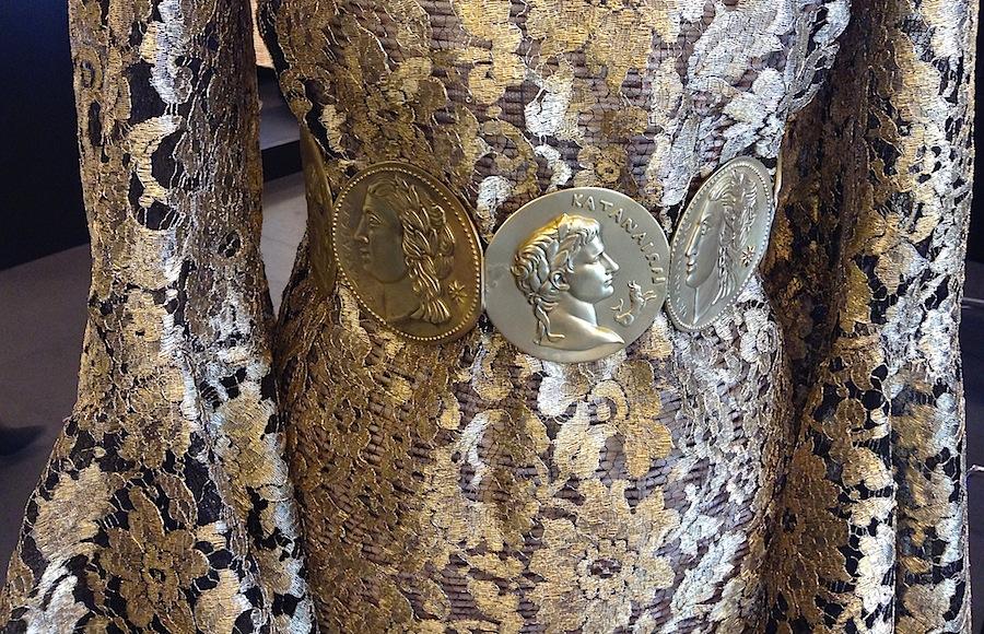 Пояс и кружево из последней коллекции Dolce&Gabbana