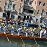 Видео: историческая регата в Венеции