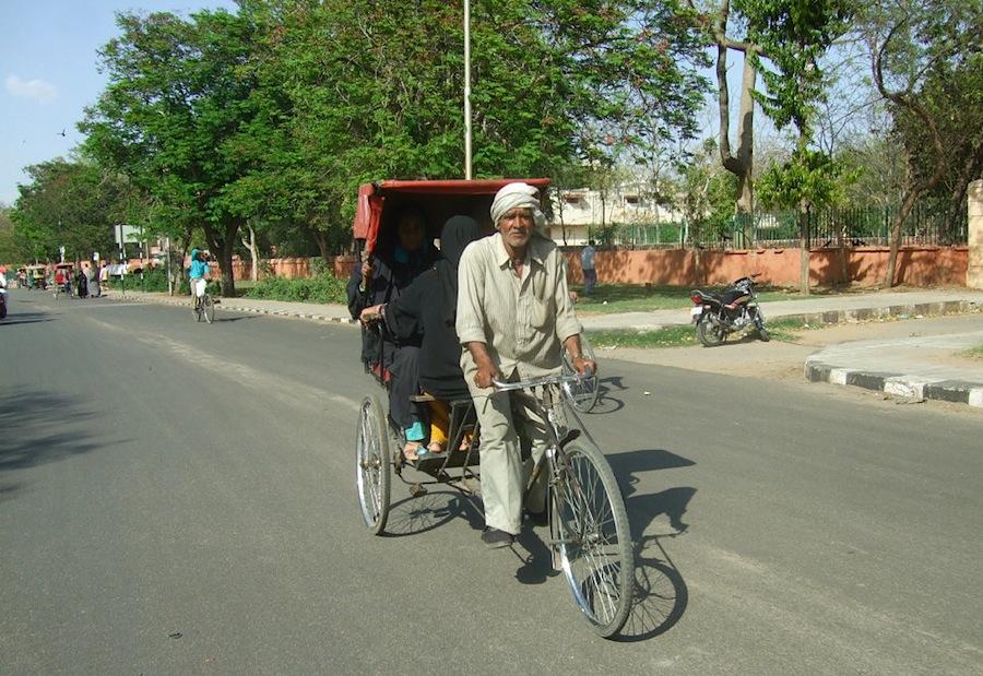 велорикша на улице Джайпура