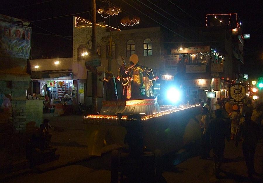 фестиваль на улице Агры