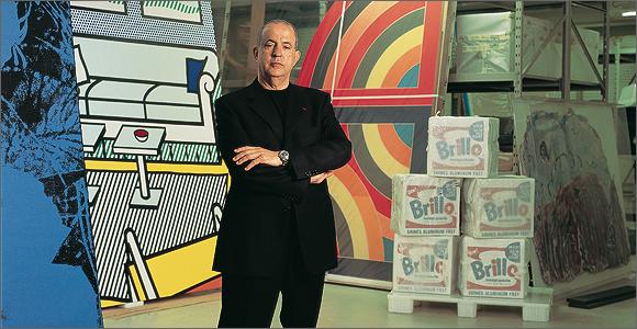 Jose Berardo  на фоне своей коллекции