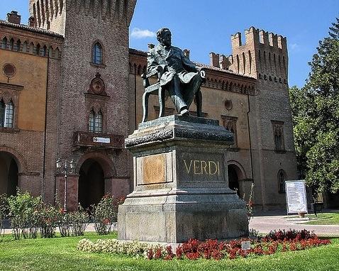 памятник Верди в Буссето