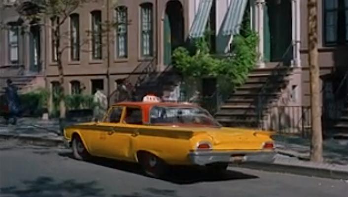 такси у подъезда дома Холли Голайтли