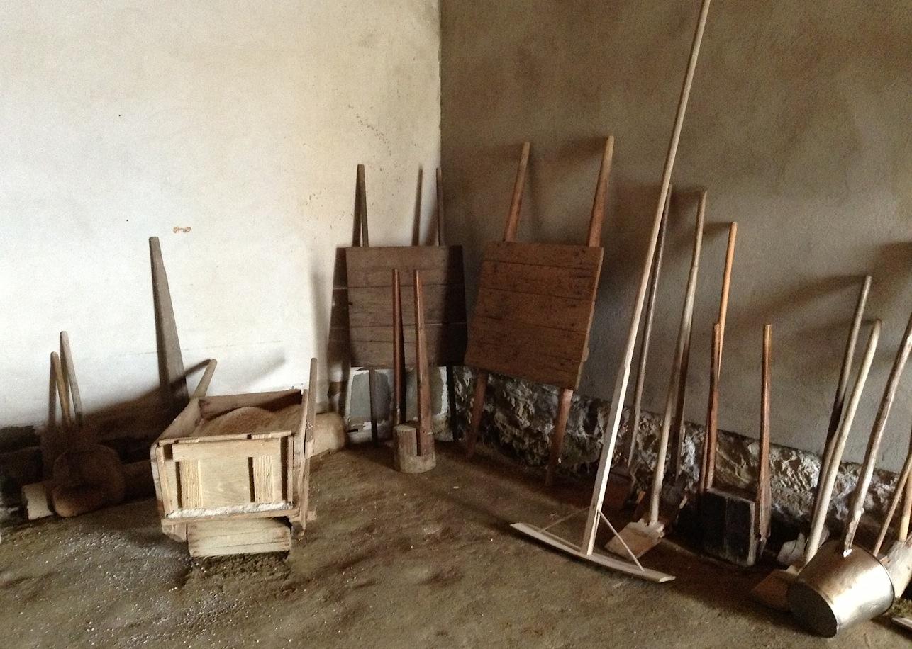 инструменты для сбора соли