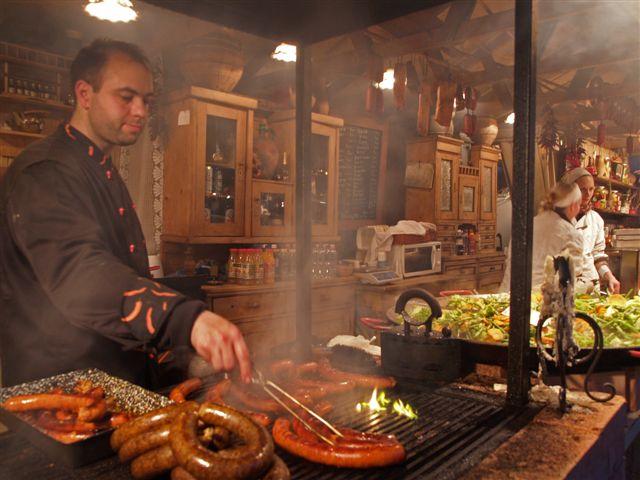 Будапешт, сосиски на рождественском базаре