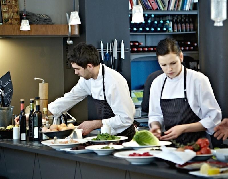 открытая кухня ресторана
