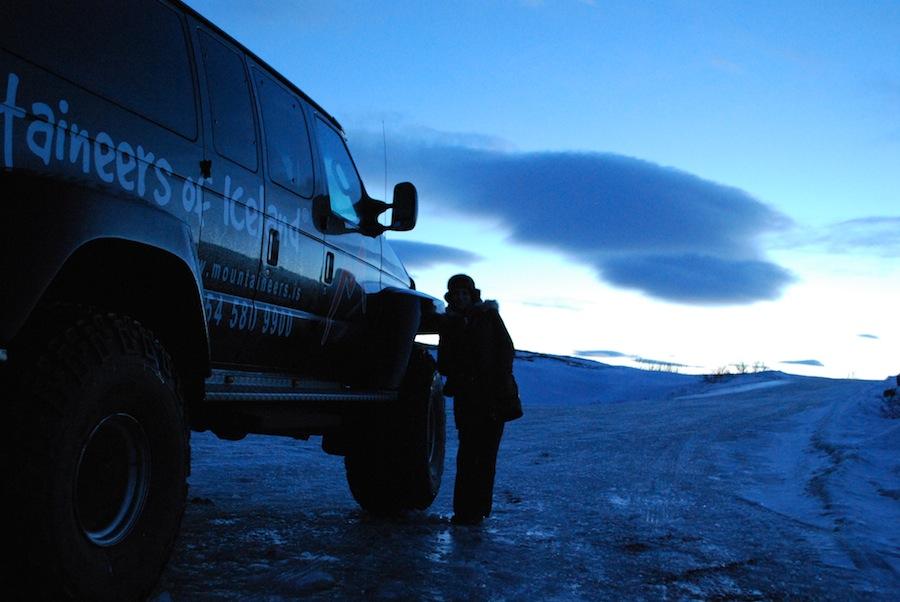 джип для передвижения по дорогам Исландии
