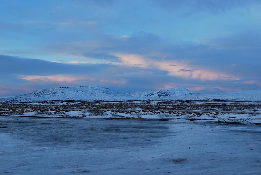 дороги и пейзажи зимней Исландии