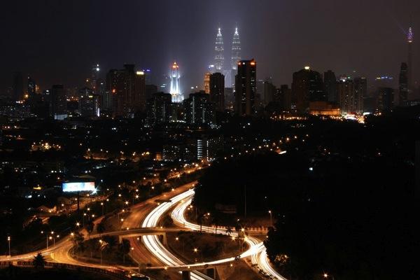 вид на башни-близнецы Куала-Лумпура