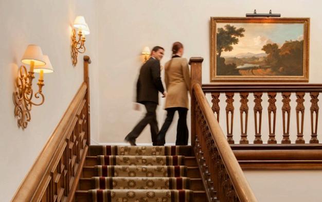 лестницы в отеле Four Seasons