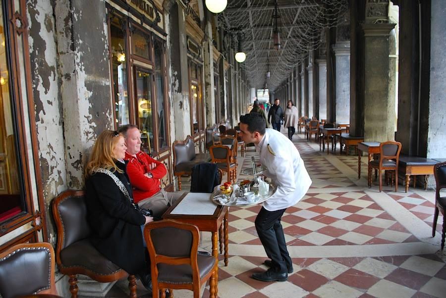 летние столики кафе Флориан