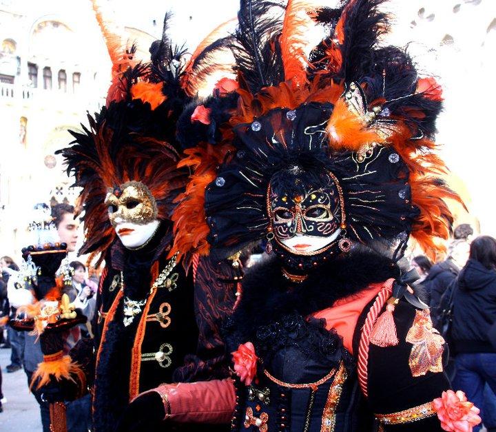 маски на площади Сан-Марко