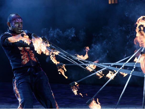 Заклинатель огня в Гонконге