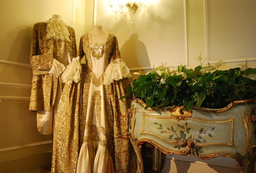 платья мастерской  Flavia и колыбелька - ваза