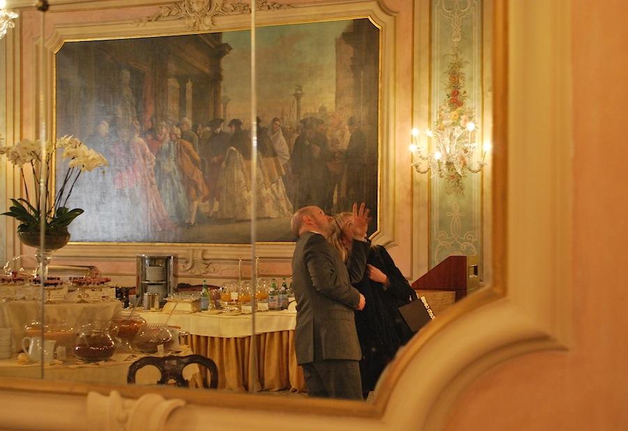 картина на стене салона Марко Поло