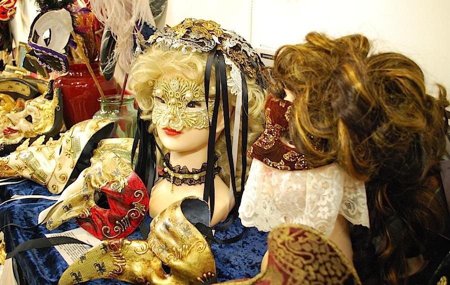 венецианские маски в ателье Flavia