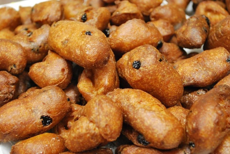 fritelle с орешками и изюмом