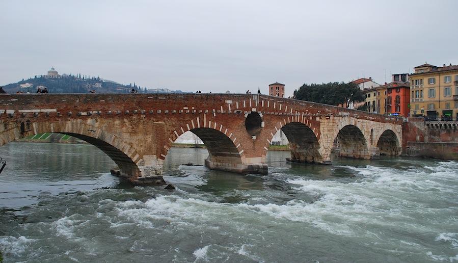 мост Понте Пьетра