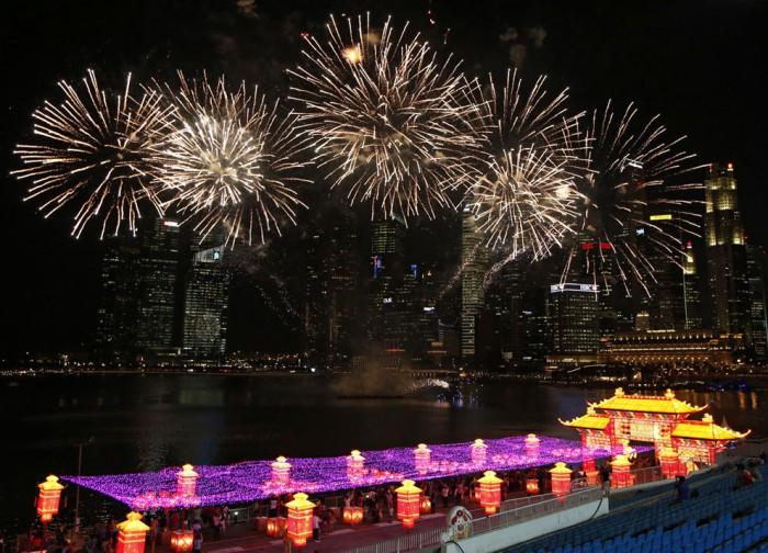 салют в Сингапуре