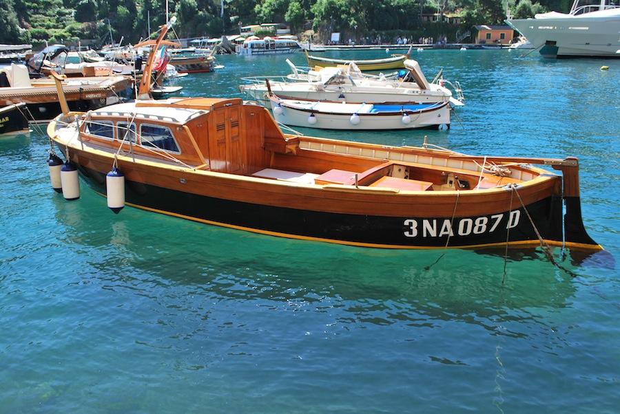 лодка на причале Портофино