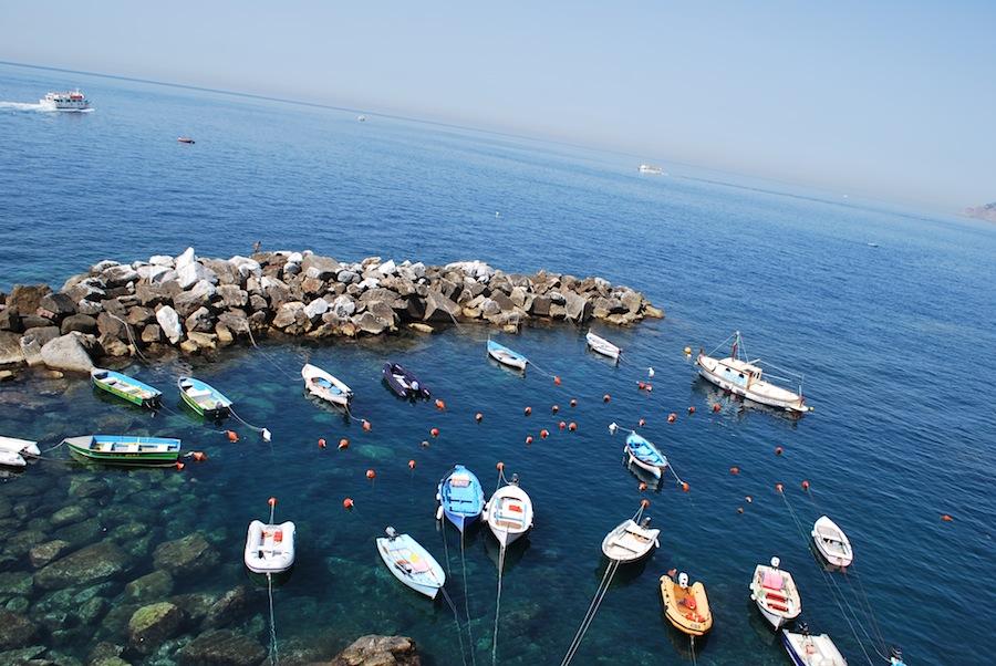 лодки на причале Риомаджоре