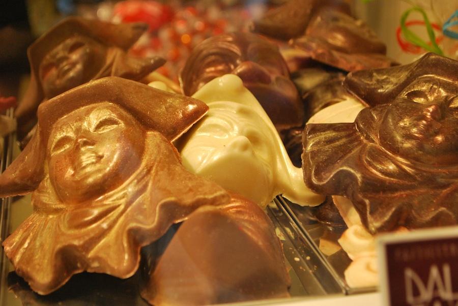 шоколадные карнавальные маски