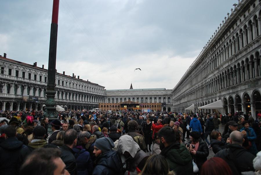 толпа на Сан-Марко