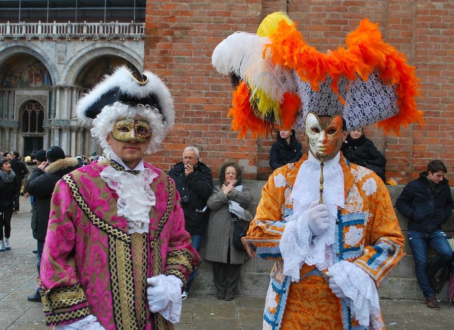 Облачиться в костюм времен Казановы хотя бы раз в жизни должен каждый житель Венето.