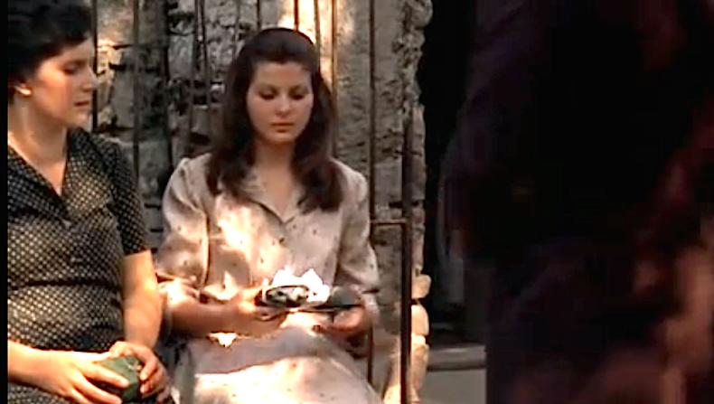 Аполлония и ее мать, кадр из фильма «Крестный отец»