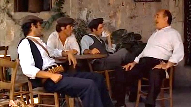 """кадр из фильма """"Крестный отец"""", разговор с отцом Аполлонии в баре Vitelli"""