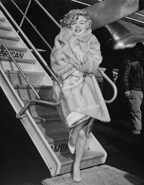 Marilyn Monroe at La Guardia airport on March 18th 1959