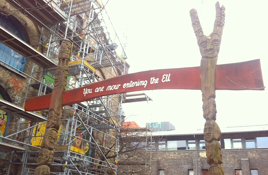 надписи на выходе из Христиании