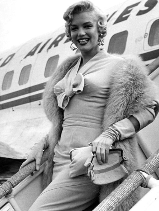 Marilyn Monroe at Idlewild airport in NYC, 195
